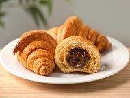 Рецепта Лесни домашни кроасани от бутер тесто и шоколад